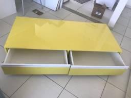 Vendo móvel amarelo