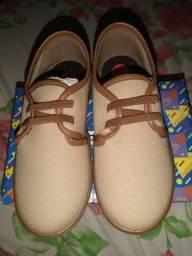 Sapato infantil novo calça 26