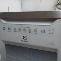 Máquina de lavar louças 8 serviços eletrolux