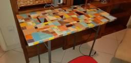 Linda mesinha de mosaico