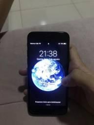 IPhone 7 128GB preto fosco com carregador