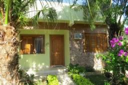 Excelente casa com três dormitórios no centro de Guaíba