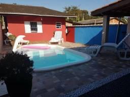 Alugo casa com piscina em Ubatuba