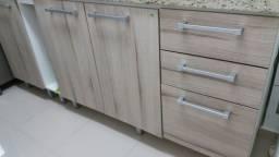 Balcão e armário de cozinha