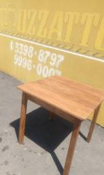 Mesa de Eucalipto (madeira maciça)