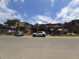 Casa com piscina e com pontos comerciais e 9 kitinetes na avenida em Itamaracá