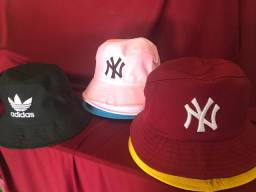 Chapéu Bucket Liso e Bordado