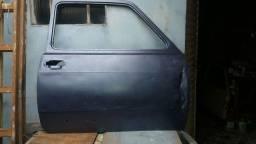 Porta  lado  direito  pra  Fiat  147  ou Spazio  pra  restaurar  a venda