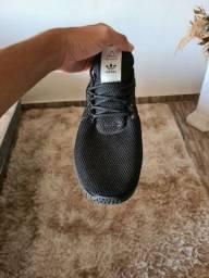 Tênis Adidas Originals HU