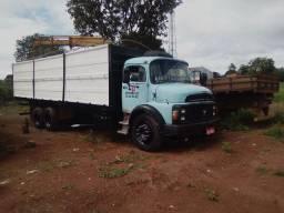 Caminhão 1318 Carroceria c/ Graneleiro