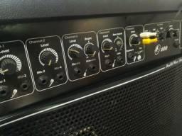 Caixa Amplificada 600 watts 15 POLEGADAS