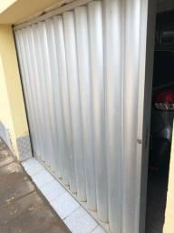 Vendo portão de alumínio altura 185cm e comprimento de 245cm seminovo! R$1100