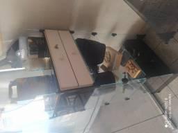 prateleira e caixa de vidro