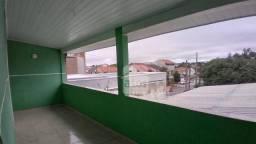 Sobrado com 2 dormitórios para alugar, 70 m² por R$ 900,00/mês - Xaxim - Curitiba/PR