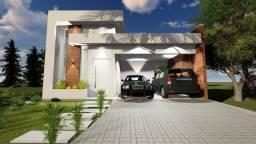 Belíssima Casa Plana, com 03 Suites  no Condomínio Jardins da Serra