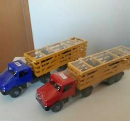 Caminhão de brinquedo 2 unidades