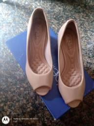 Sapato Beira Rio verniz Tam 35