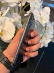 iPhone 11 black 64gb garantia Apple até maio. Até 12x no cartão.