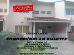 Casa em Parque Dez - 3 dormitórios, Área de Lazer (Piscina, Salão Festas, Churrasqueira)