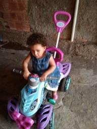 Triciclo infantil da marca varal