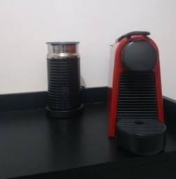Máquina Nespresso com aeroccino