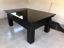 Mesa com tampo de jantar
