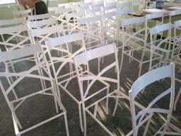 Jogos de mesas e cadeiras de ferro usadas