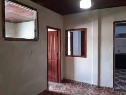 Aluga se apartamento de 2 quartos em otima localização da Cidade nova