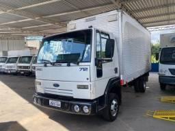 Ford Cargo - 712 - Ano:2009 - Baú
