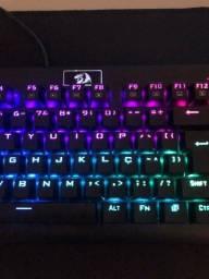 Teclado Mecânico Gamer Redragon Dark Avenger, RGB, Switch Outemu Vermelho, ABNT2