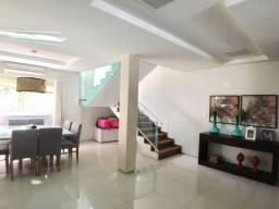 Casa Com Área De Lazer| 220m²- 4 Quartos Sendo 3 Suítes (TR55033) MKT