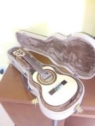 Cavaquinho Luthier em faia maciço modelo luxo.