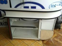 Balcão de loja com caixa