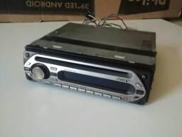 Rádio de carro com entrada para cabo de fone