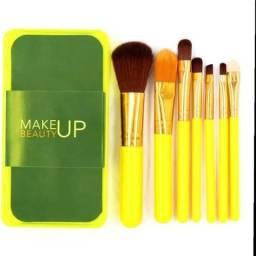 Usado, Promoção de kit de pinceis de maquiagem ideal para revenda comprar usado  Salvador