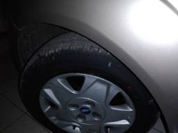Ford Fiesta sedã 2013