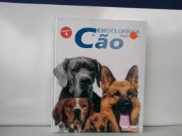 01 Livro sobre cães Royal canin
