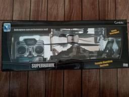 Helicóptero SuperHawk Combate