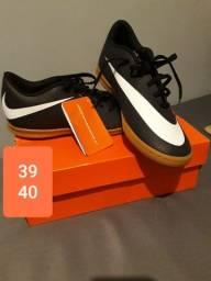 Chuteira Nike original Nova.