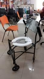 Cadeira de Banho Dobrável e Braços Escamoteáveis PL220 Prolife