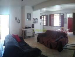 Casa 3 dormitórios com 2 suítes