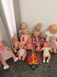 Conjunto de 14 bonecas
