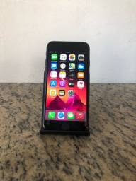 iPhone 8 / 64GB / Black