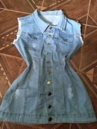 Vendo 2 vestidos,um moleton, e outro jeans com botão é cinto no meio