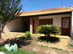 Casa em condomínio Araras-SP