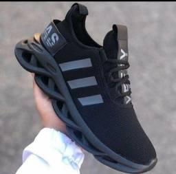 Tênis Adidas Yeezy Premium