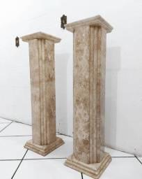 Par Colunas Laterais Decorativas em Mármore Travertino Bahiano Esculpido