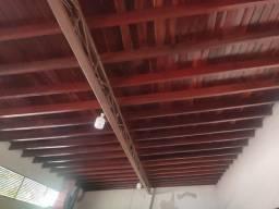 40 metros d forros de ipê com telhas Romana<br>15 vigas de peroba 6 metros