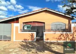 Casa para aluguel com 03 quartos no Interlagos.