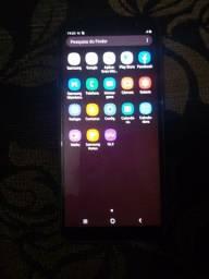 Vendo um celular j8 com 64 GB biometria celular em perfeito estado